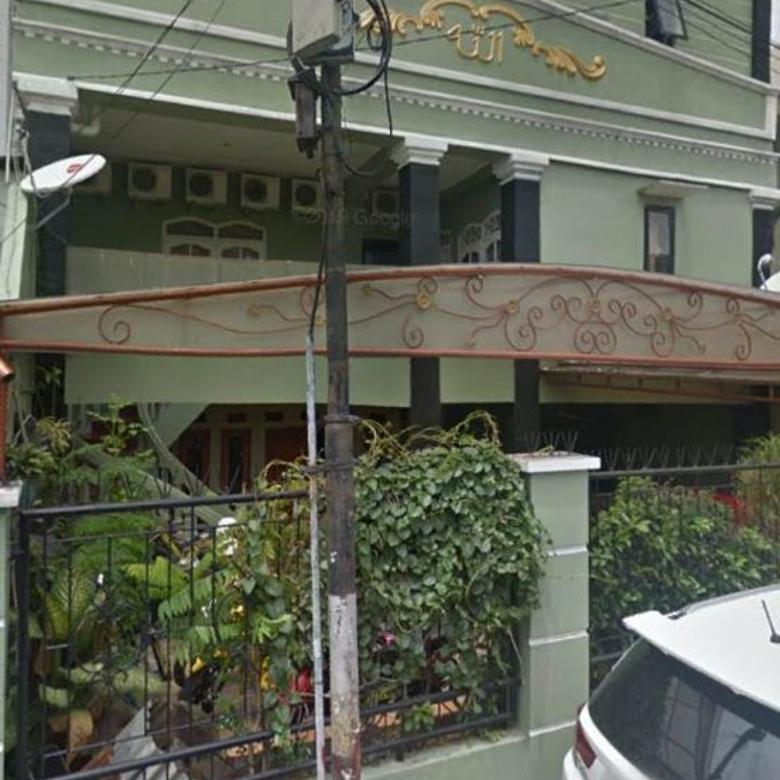 Dijual Rumah 3 Lantai di Tebet Digunakan Untuk Kos-kosan