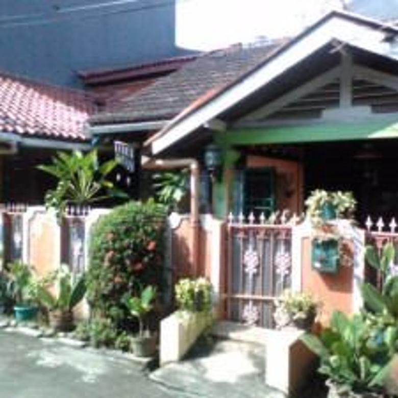 Rumah luas di Bintara (prop837)
