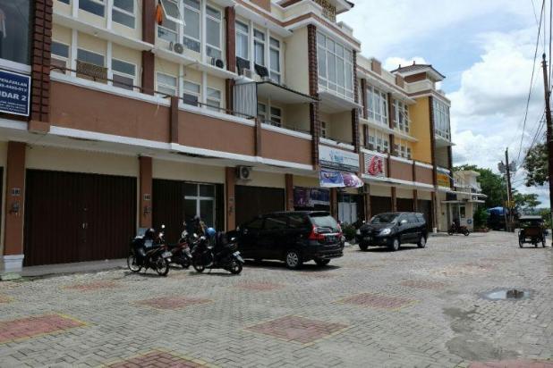 Ruko 3 Lantai Pinggir Jl. Utama Lowano Tengah Kota Dekat Taman siswa