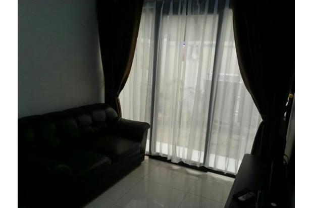 Rumah di lingkungan asri dan nyaman 9840500