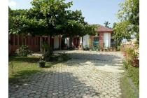Rumah kota berasa di desa