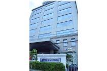 Disewakan ruang kantor, luas 37, 60, 280 Sqm, di Gedung MENARA SALEMBA
