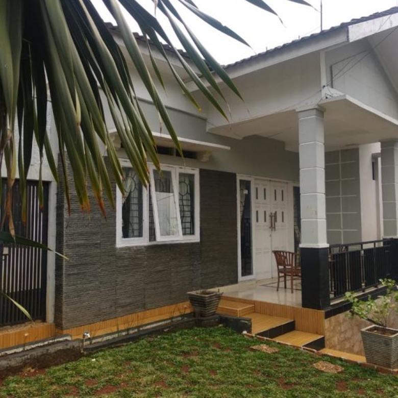 Rumah 1,5 Lantai Few Hijau pohon Di komplek elite dkt cilandak