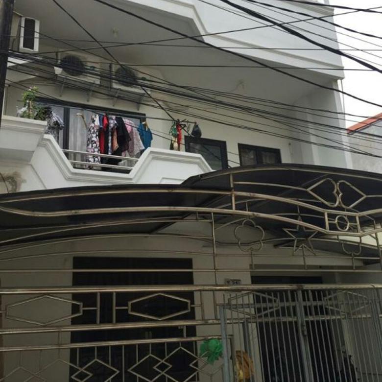 Dijual Rumah uk 6.3x18m Hadap Selatan di Jelambar