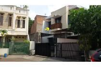 Rumah Di Liga Mas, Pancoran, 2 Lantai, Semi Furnished, 3 KT, Luas 197 m2