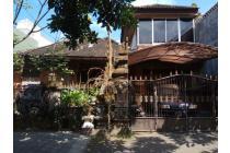 Dijual rumah yang berlokasi di kawasan central renon