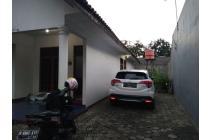 Rumah second terawat siap huni tanah luas di Jatibening Bekasi tanah luas