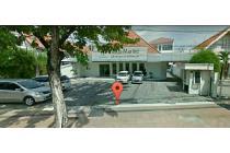 Raya Gubeng Strategis Surabaya Pusat Halaman Parkir Mobil Luas Siap Huni