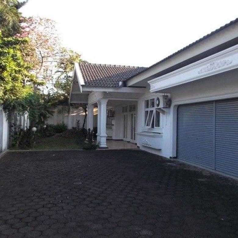 Nice House With Large Parking In Quiet Area
