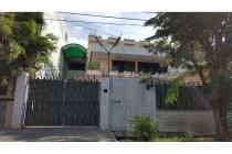 Jual Rumah Lama 2 Lantai Kokoh Belakang BCA di Prapanca Surabaya