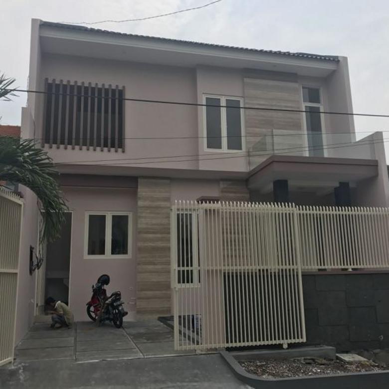 Rumah Baru bergaya minimalis, semolowaru, lingkungan nyaman dan asri,