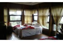 Villa adem kawasan lembang bandung dekat wisata