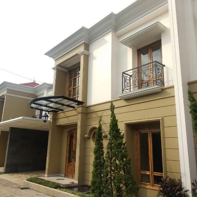Rumah DiJual Baru siap huni Full Furnish di Jakarta selatan