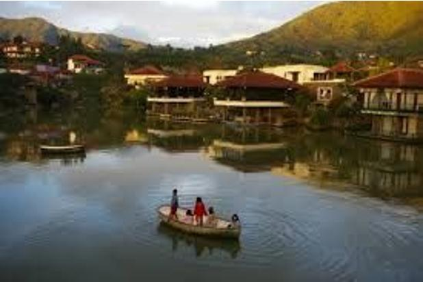 ddisewakan villa bukit danau Lot b 5 kamar 15145628
