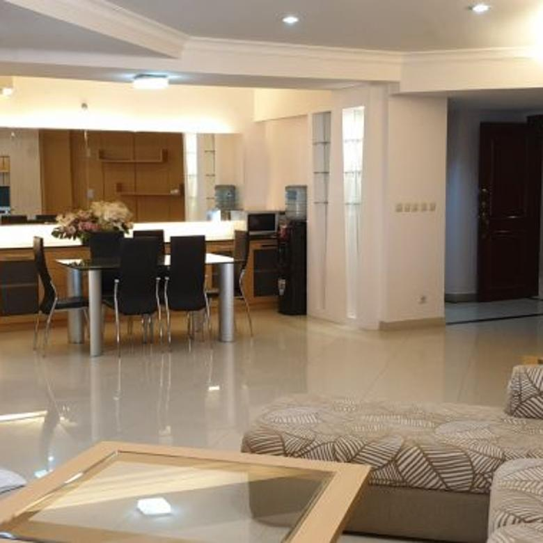 Disewakan Kondo Taman Anggrek Luas 146 sqm 3 + 1 kamar