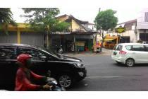 Rumah Hit Tnah Strategis di Raya Manyar Kertoarjo