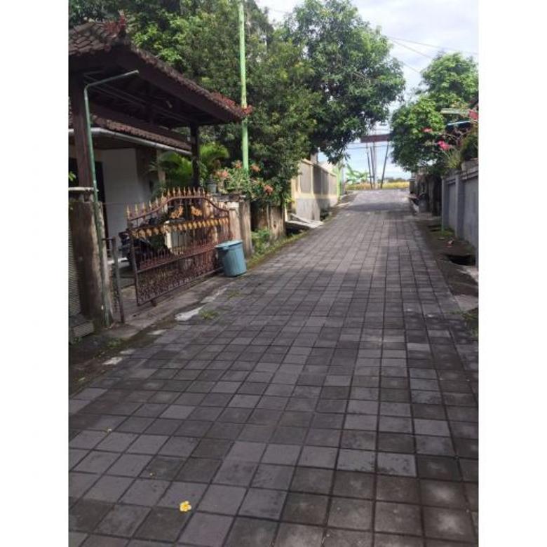 Dijual Cepat Bangunan Hitung Tanah Strategis di Tibubeneng Badung Bali
