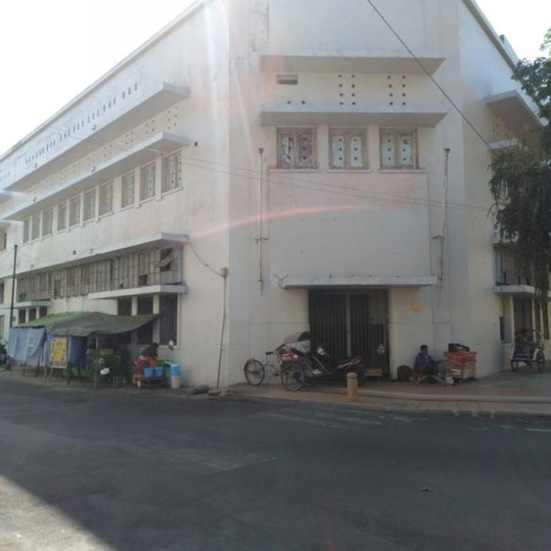 Gedung Dijual Jalan Veteran Surabaya