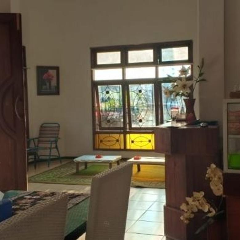 Rumah 2 lantai hook murah di Jl. Cempaka Pesanggrahan Batu