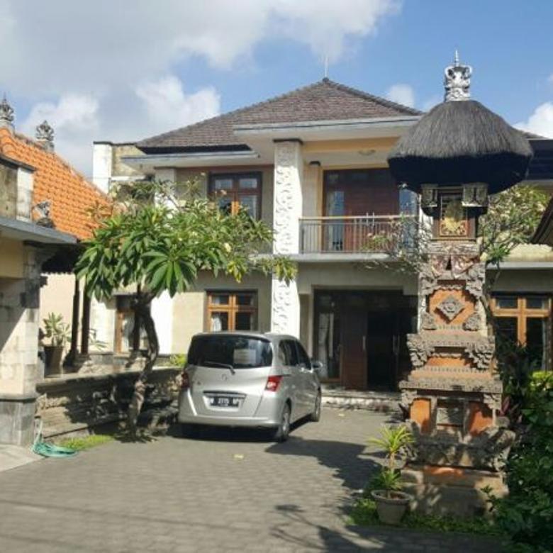 Dijual Rumah lantai 2 dgn halaman luas  kawasan Monang maning