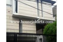 Rumah bagus daerah brawijaya dharmawangsa kebayoran baru dijual murah