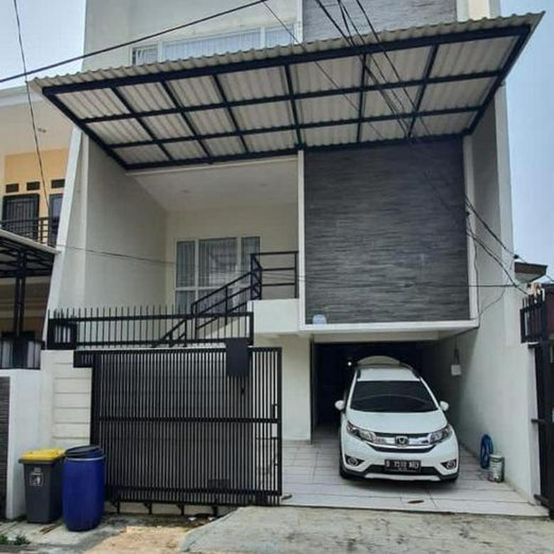 CHANDRA*rumah baru 3.5 lantai bangunan bagus jalan lega tanjung duren