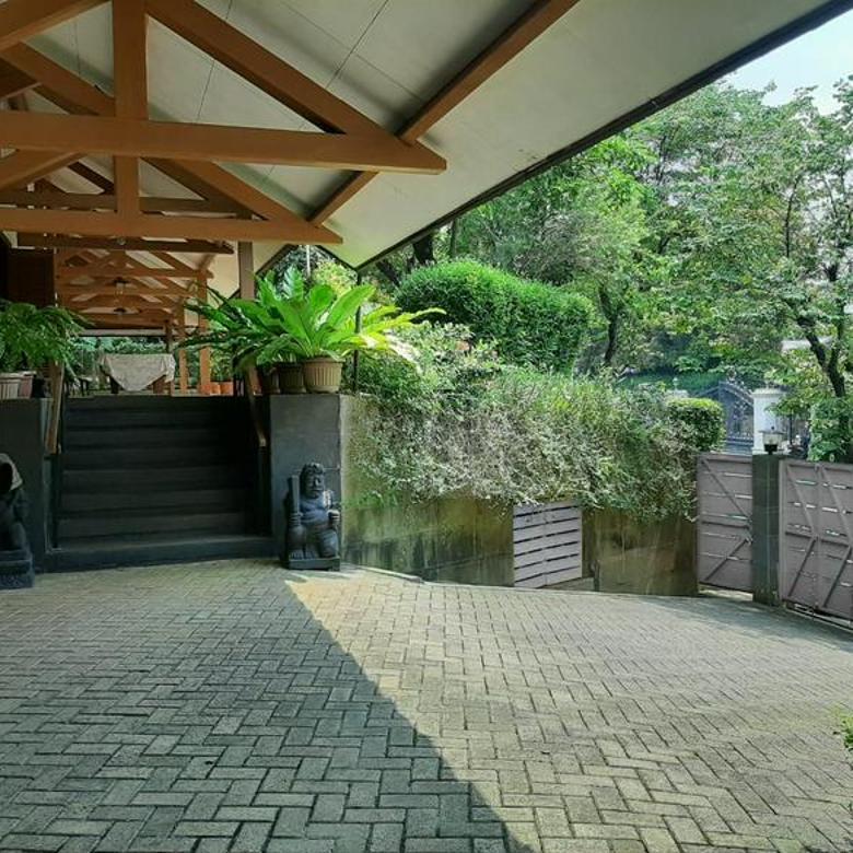 Rumah Bukit Golf Pondok Indah - ada Lift - Hadap Utara dan Barat