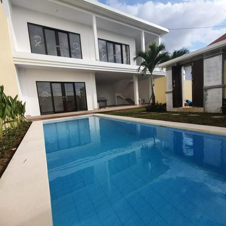 Villa baru, 3 kamar tidur, kolam renang, non furnished, di dekat Canggu