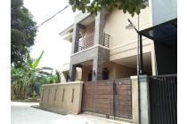 Rumah dijual 2 lantai dalam perumahan sangat strategis di Jatiwarna,Bekasi