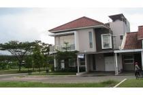 Rumah view Danau di Kota Baru Parahyangan Bandung Barat