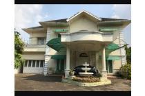 Dijual Cepat BU Rumah Mewah di Cibubur luas 1350m