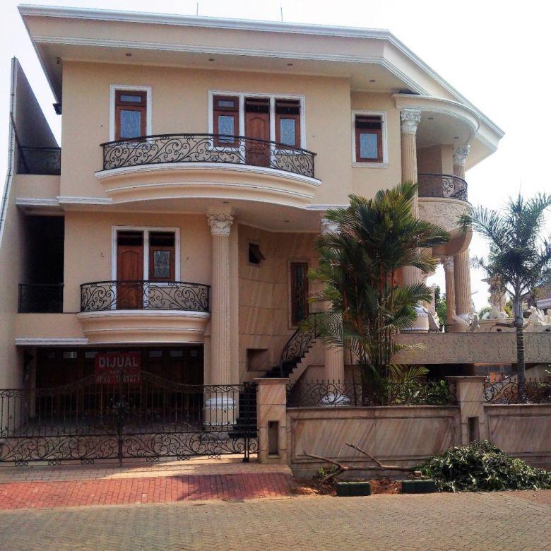 Dijual Rumah Hoek Mewah di Kuta Indah, Bukit Gading Villa, Kelapa Gading,