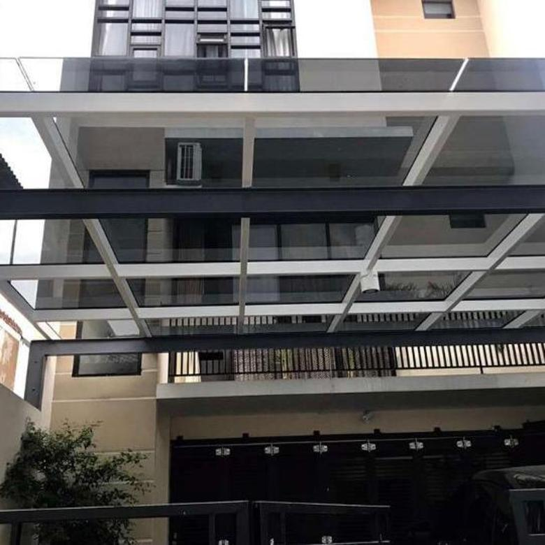 House with 4 bedrooms , 3 floors , At Tebet