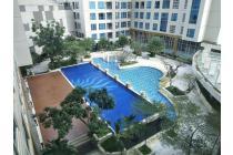 Unit Bagus Sangat Terawat Lantai Sedang View Cantik ke Waterpark, Harga Murah, 2bedroom, 1 Kamar Mandi, 67sqm di Casa Grande Residence Konek ke Kokas