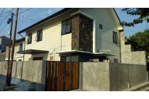 Dijual Rumah Cantik Jl Cendrawasih III, Keb. Lama ST-R778