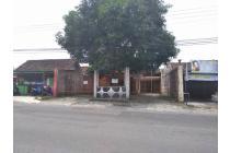 Kantor di Tepi Jalan Utama Daerah Tajem Dekat UNRIYO Lokasi Strategis