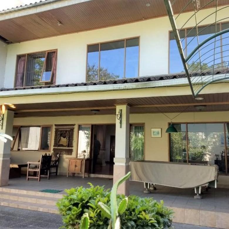 Dijual Villa Modern 2 Lantai di Panorama Lembang