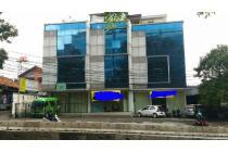 Dijual Murah Ruko Gandeng 3 di Jl. Mampang Prapatan Raya, Jaksel