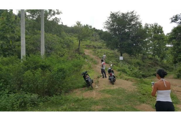 Tanah di Bukit Sekotong - Lombok Barat dengan pemandangan laut dan Gili 12960456