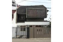 Rumah 2lt siap huni luas 108m Type 3KT Duren Sawit Jakarta Timur
