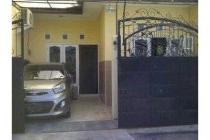 Dijual rumah nyaman lokasi strategis di Setro