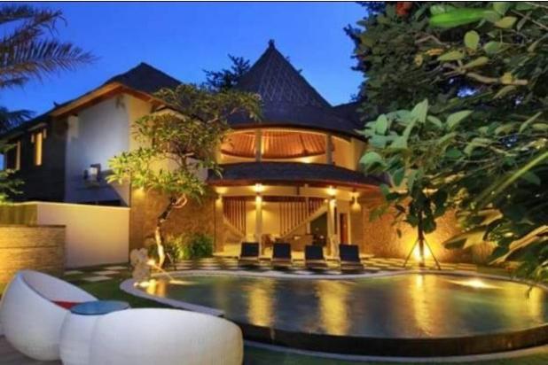 Rp135mily Vila Dijual
