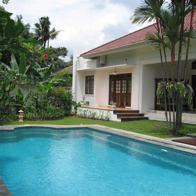 One storey and bright house in Compound @ Kemang