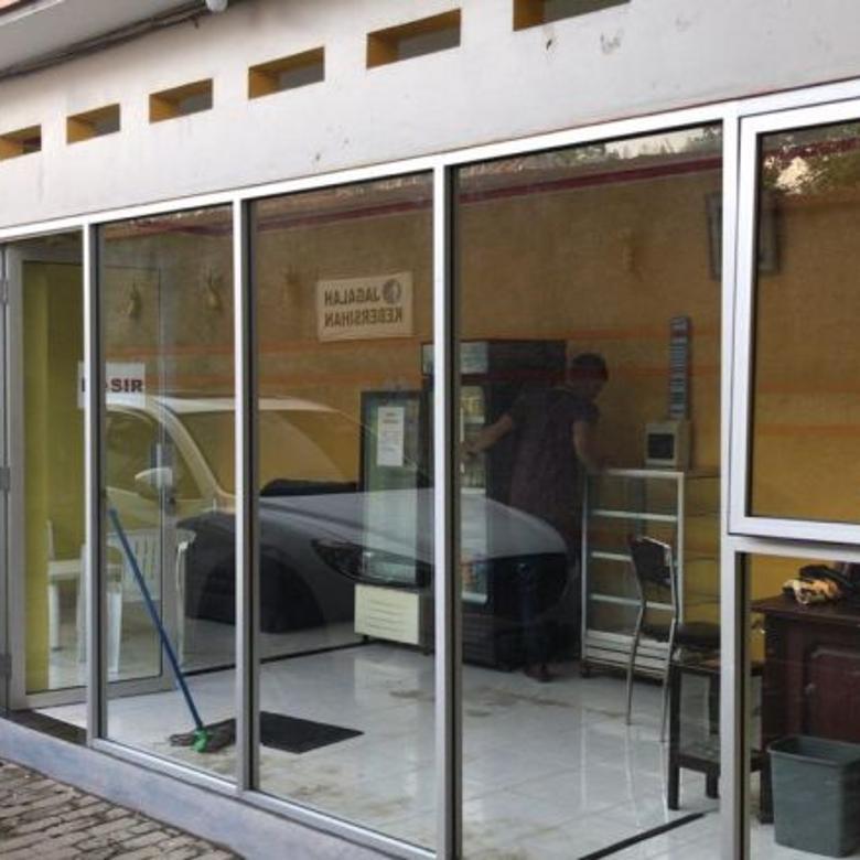 Dijual kantor dan tempat usaha cuci di Jalan Kalimalang Bekasi