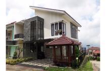 Villa Kolam Renang Batu Malang - Villa s1