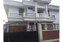 Dijual Rumah Strategis Tengah Kota Jl.Lawu Dekat Tidar  Surabaya