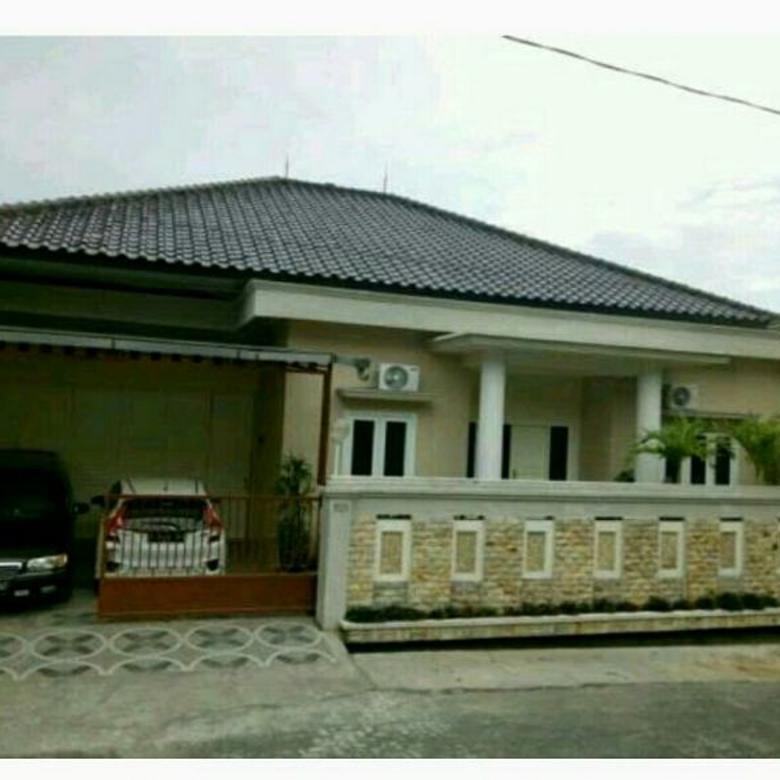 rumah mewah di manyaran cocok untuk investasi