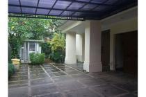 Dijual Rumah Cantik Design Modern Bebas Banjir di Jalan Gaharu Cipete