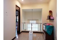Rumah bagus di Mekarwangi Bandung