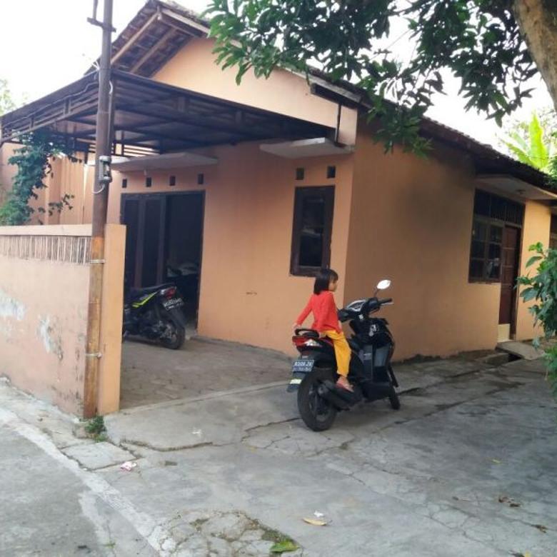 Rumah Second Karangasem Solo Siap Huni